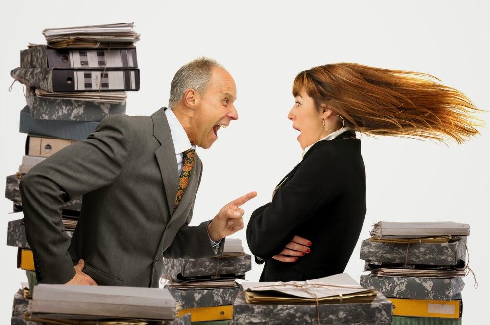 4 formas de impresionar a tu jefe cuando es duro contigo