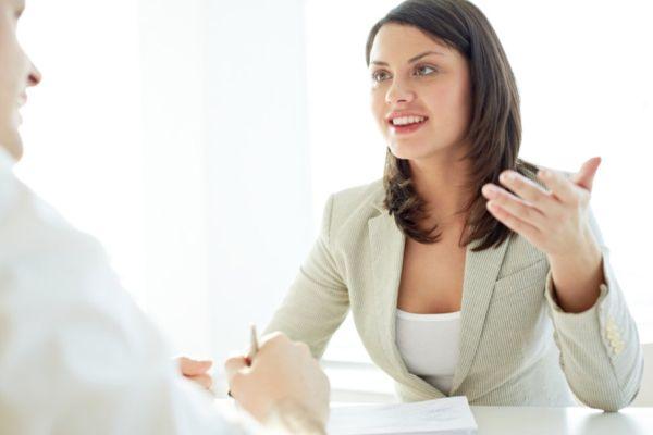 Lo que necesitas hacer después de una entrevista de trabajo